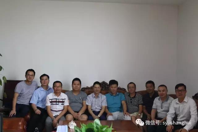 走访第二站:会员刘荣龙创办的佛山市艾莱轩家具厂