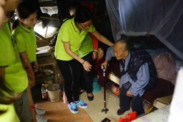 广东博皓锐鹰队到榄核镇平稳村探访困难家庭-4