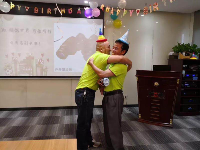 必发365官网六月生日会丨小Party,大感动-9