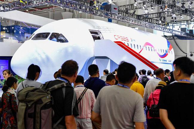 碳纤维复合材料让飞机更轻盈!大飞机CR929样机亮相珠海航展