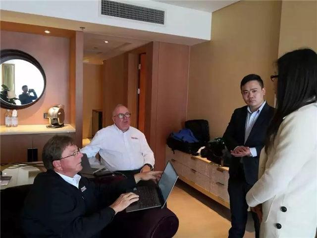 Stoner团队与广东必发365官网团队一齐探讨脱模剂新产品市场应用-1
