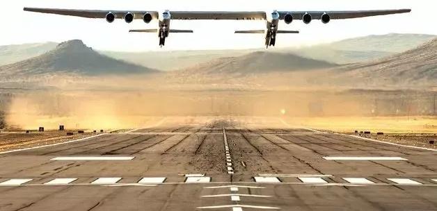 由碳纤维材料打造的世界上最大飞机首飞成功!