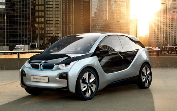 它使汽车重量减轻68%,从而使油耗降低了40%