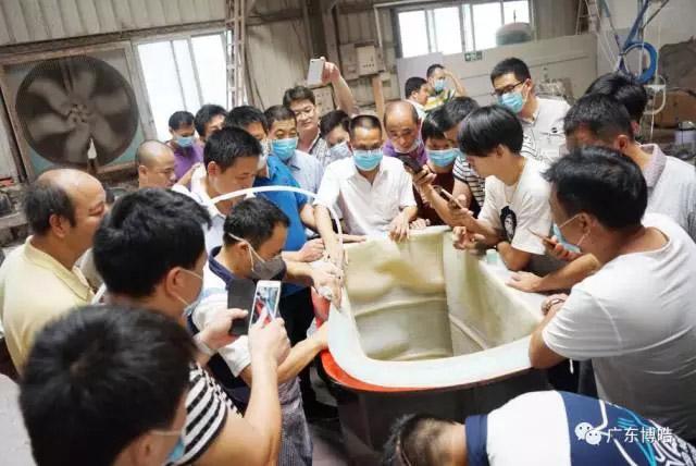 中国不饱和聚酯树脂行业协会 华南玻璃钢新技术交流培训中心第三期玻璃钢模具制作培训班-18